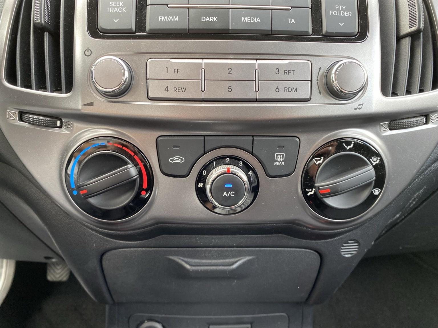 Hyundai-i20-19