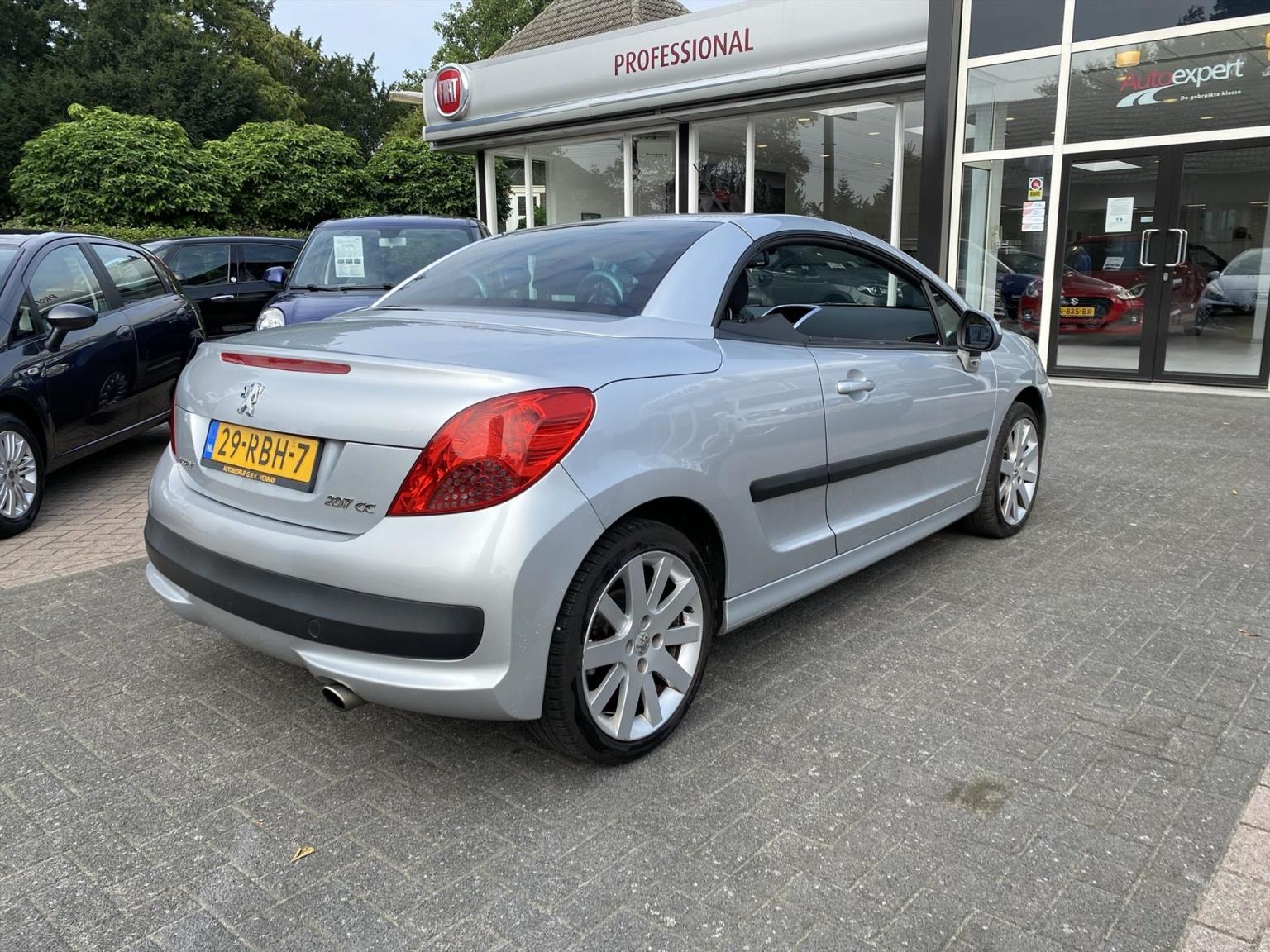 Peugeot-207-24